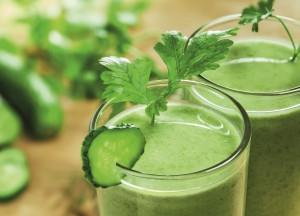 Žalieji gėrimai suteikia vitaminų, mineralų